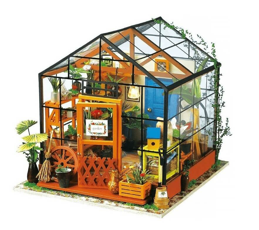 DIY Dom «Kathy's green house» 1