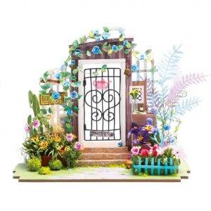 DIY-Dom «Garden Entrance»